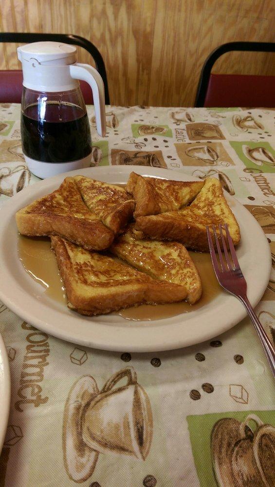 Waffle & Pancake House: 2801 W Kingshighway, Paragould, AR