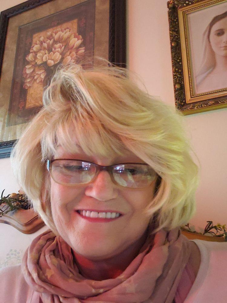 Lasting Impressions Salon & Spa: 14 E 2nd St, Maysville, KY