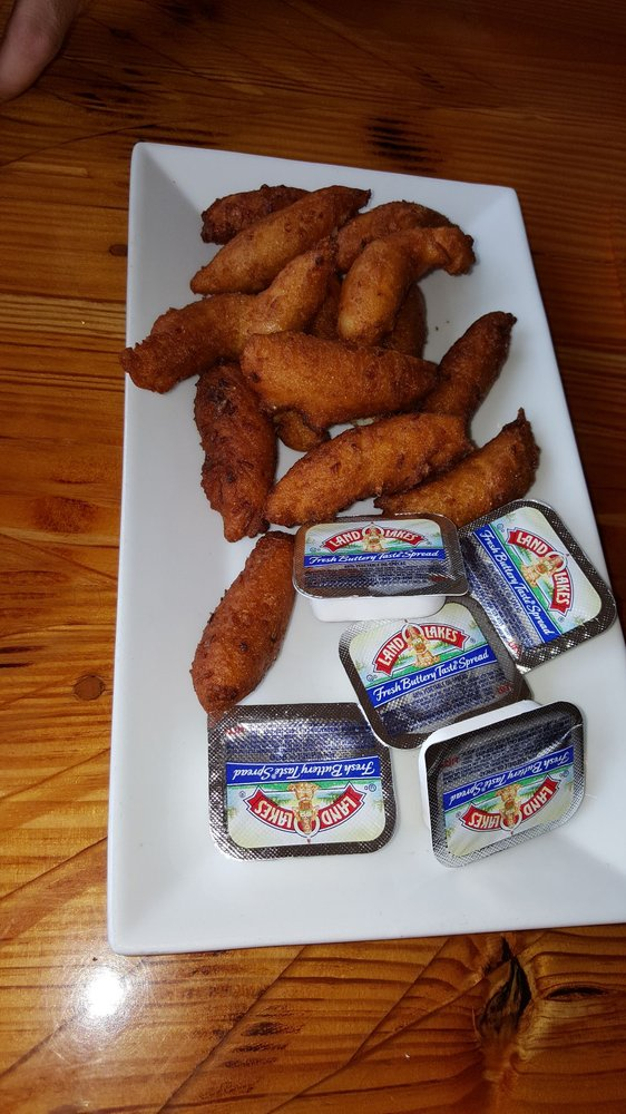 Southern Salt Seafood Company and Waterfront Restaurant: 701 Evans St, Morehead City, NC