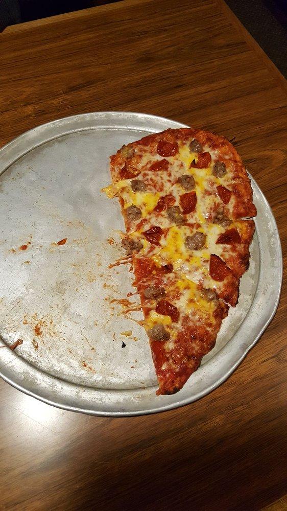 Rafferty's Pizza: 409 W Washington St, Brainerd, MN