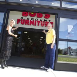 Bob S Discount Furniture 14 Reviews Home Decor 9140