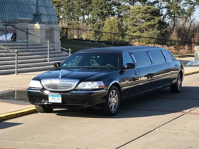 Driven Limousine Service: 1734 Spinaker Dr, Woodbury, MN