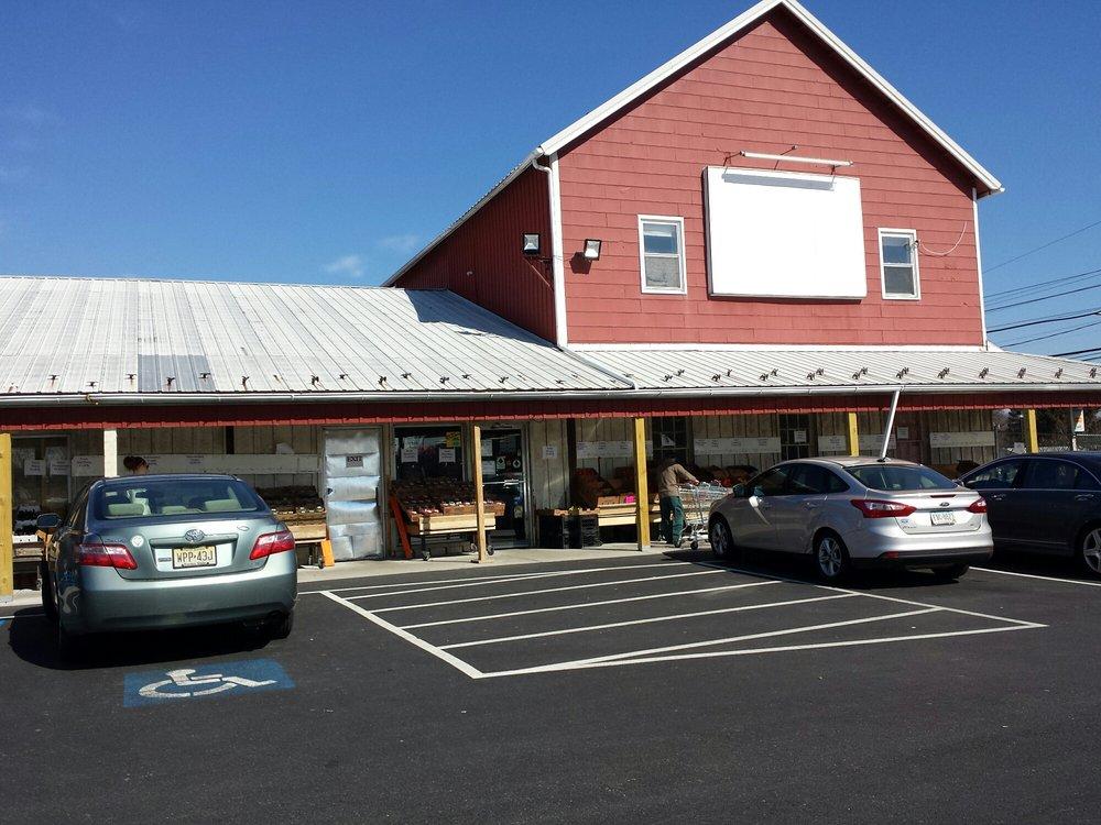 Azar Supermarket: 3131 Linden St, Bethlehem, PA