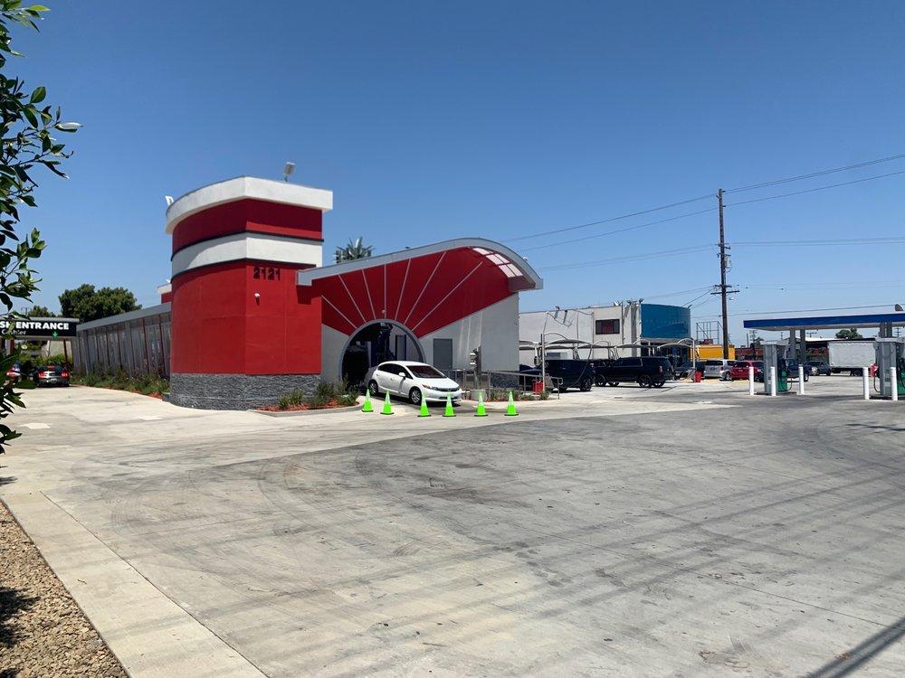Alameda Car Wash: Los Angeles, CA