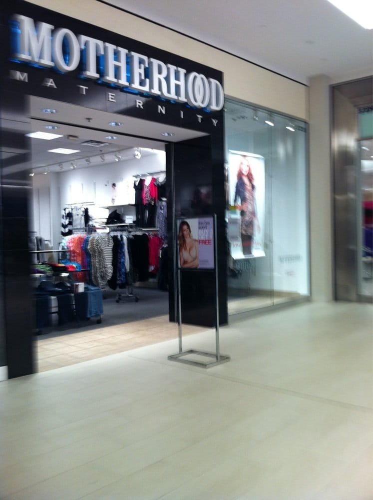 Mall of america rainbow clothing store