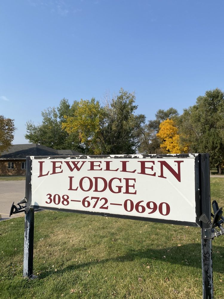 Lewellen Lodge: 215 Church St, Lewellen, NE