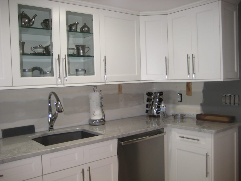 Photo Of Keystone Kitchens Bohemia Ny United States This Kitchen Contains Alabaster