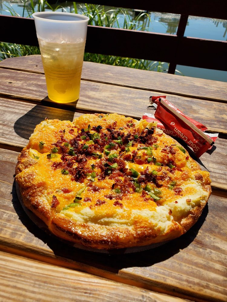 The Clamdiggers Lounge & Pizzeria: 1540 E Elm Ave, Monroe, MI