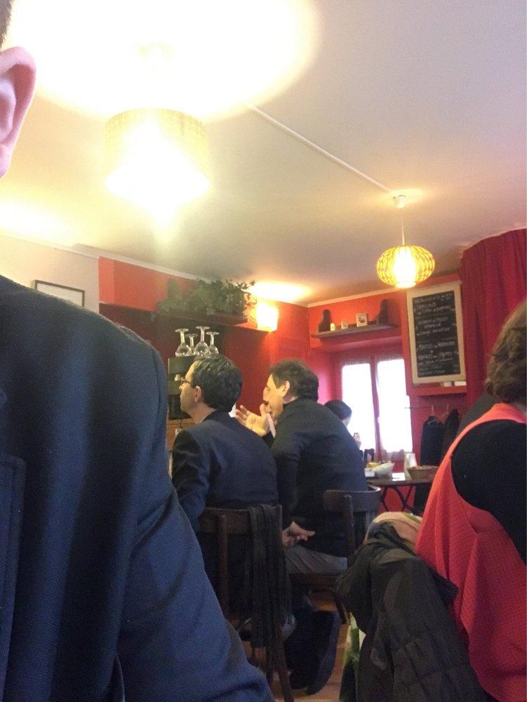 Restaurant la salle manger 1 rue venise for Salle a manger yelp