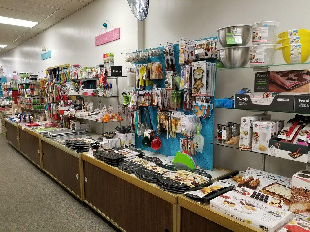 Elkader General Store/Diers Insurance: 107 N Main St, Elkader, IA