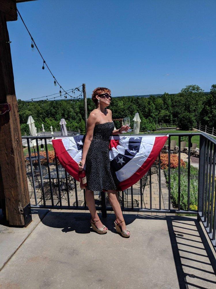 Saudé Creek Vineyards: 16230 Cooks Mill Rd, Lanexa, VA