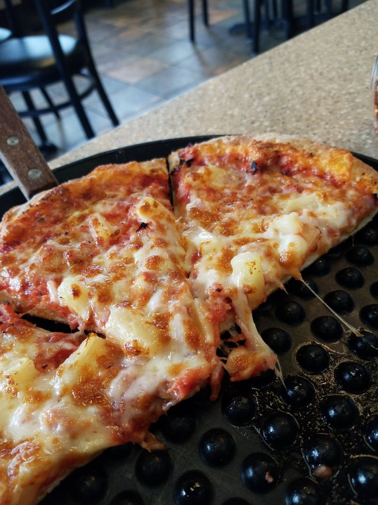 Chicago's Pizza: 3221 State Rd 37, Mitchell, IN