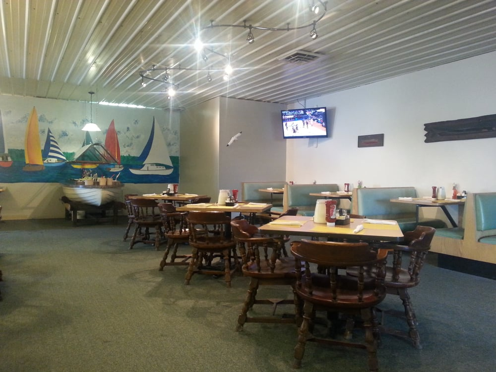 Peterson's Fish: 1009 S Huntington St, Syracuse, IN