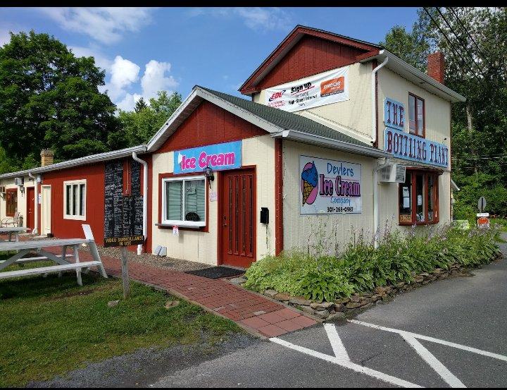 Devlers Ice Cream: 104 E Oak Street, Oakland, MD
