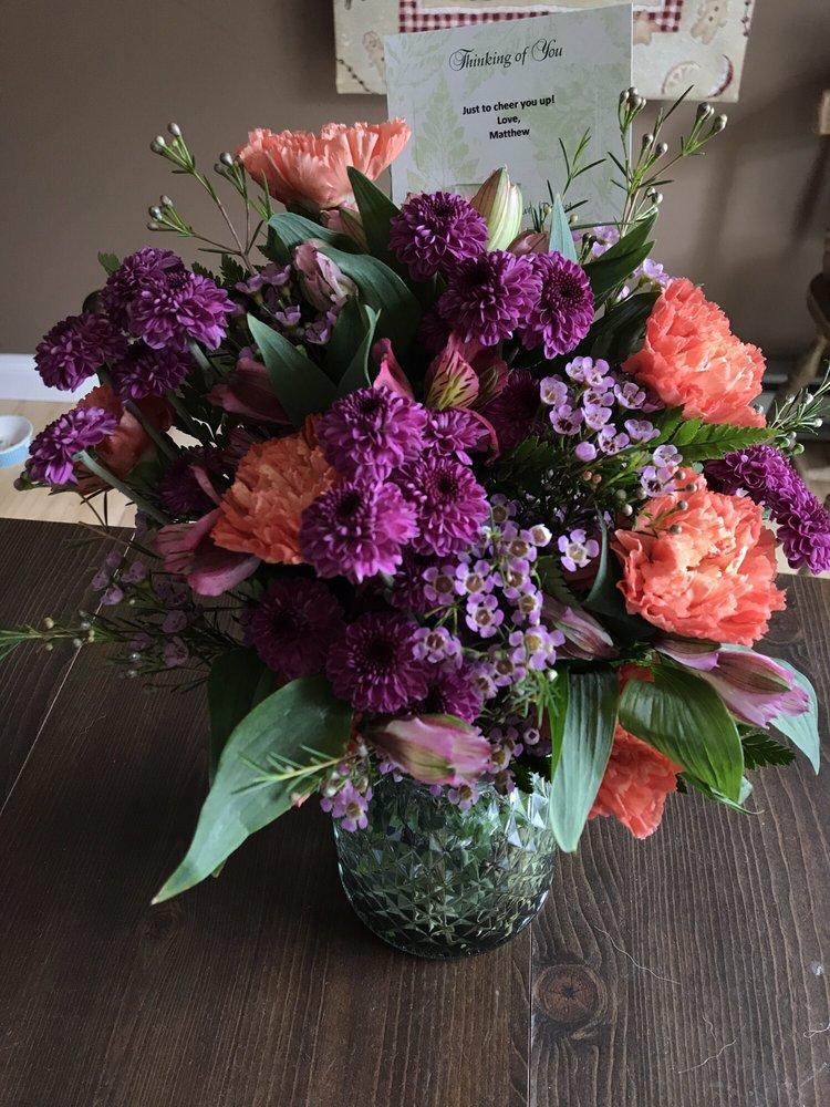 Green Acres Flower Basket: 12619 Garrett Hwy, Oakland, MD