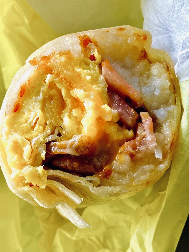 Los 3 Tapatios Taqueria: 630 S Broadway, Edmond, OK