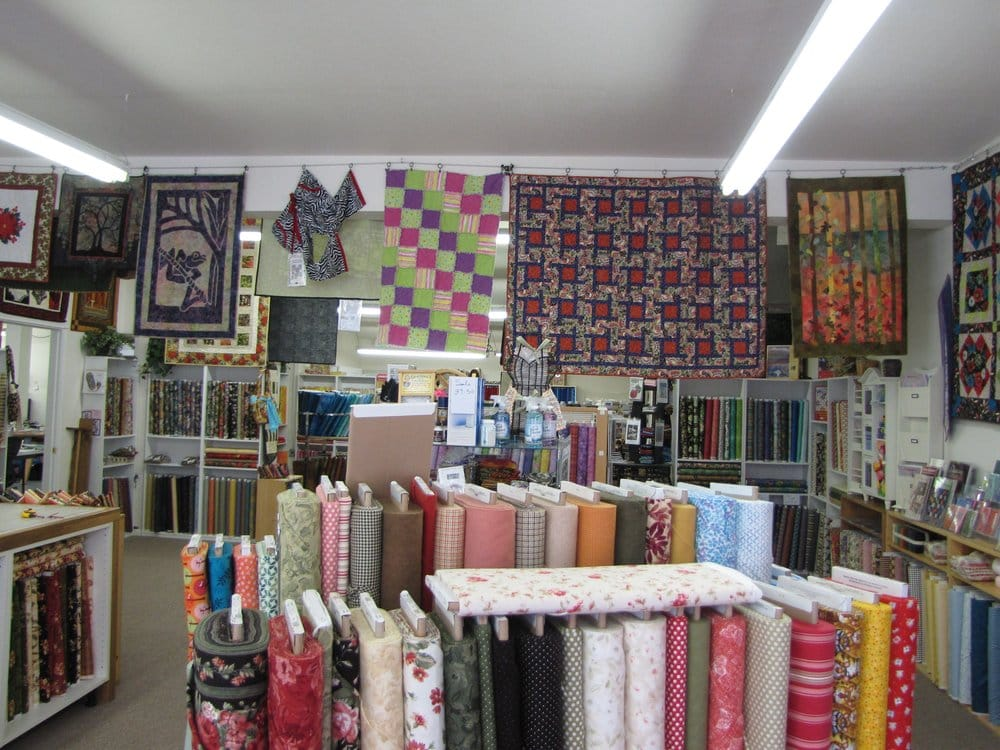 Purple Frog Quilt Shop: 890 N 2nd St, Jefferson, OR
