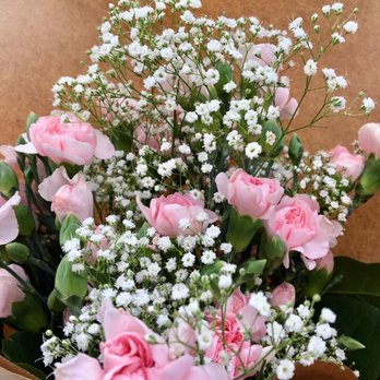 Photo of Divisadero Florist - San Francisco, CA, United States. Pink carnations (