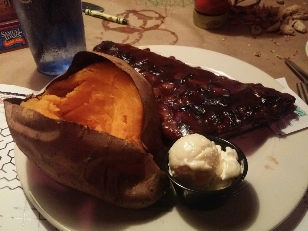 Brown Derby Road House: 3985 Park Ave W, Mansfield, OH