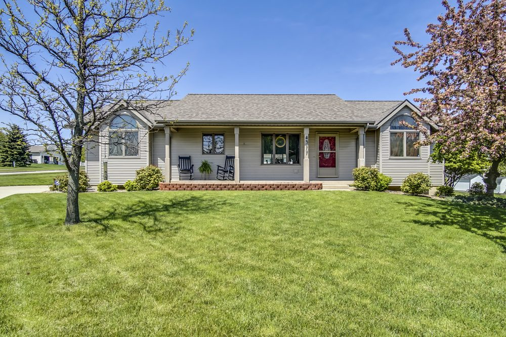Sarah Lilly - Relationship Based Realty: 76 S River, Holland, MI