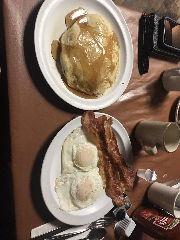 Snyder's Restaurant: 41 N 2nd St, Shamokin, PA