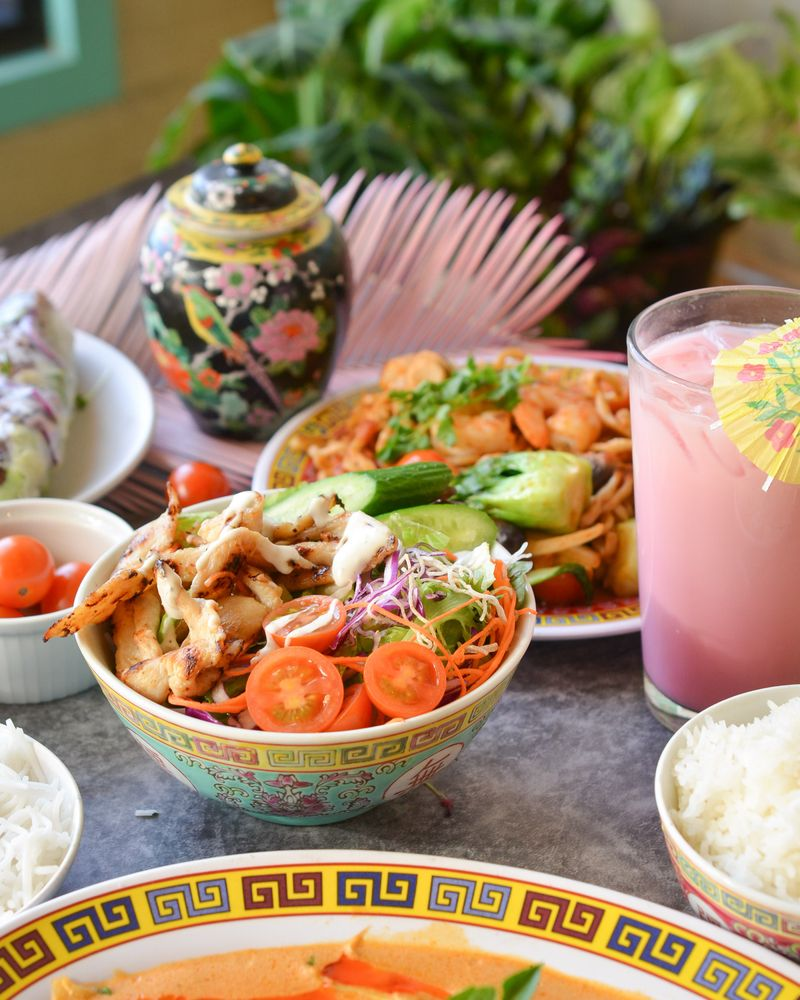 Lucky Lotus: 2721 Ingersoll Ave, Des Moines, IA