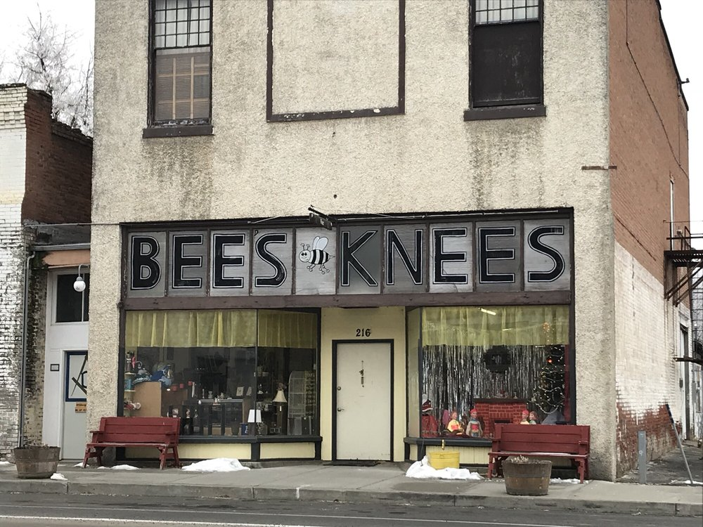 The Bee's Knees: 216 E Main St, Athena, OR