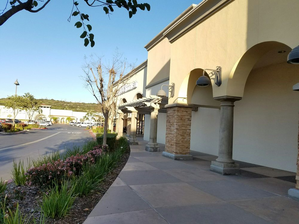 Moorpark Marketplace: 888 New Los Angeles Ave, Moorpark, CA