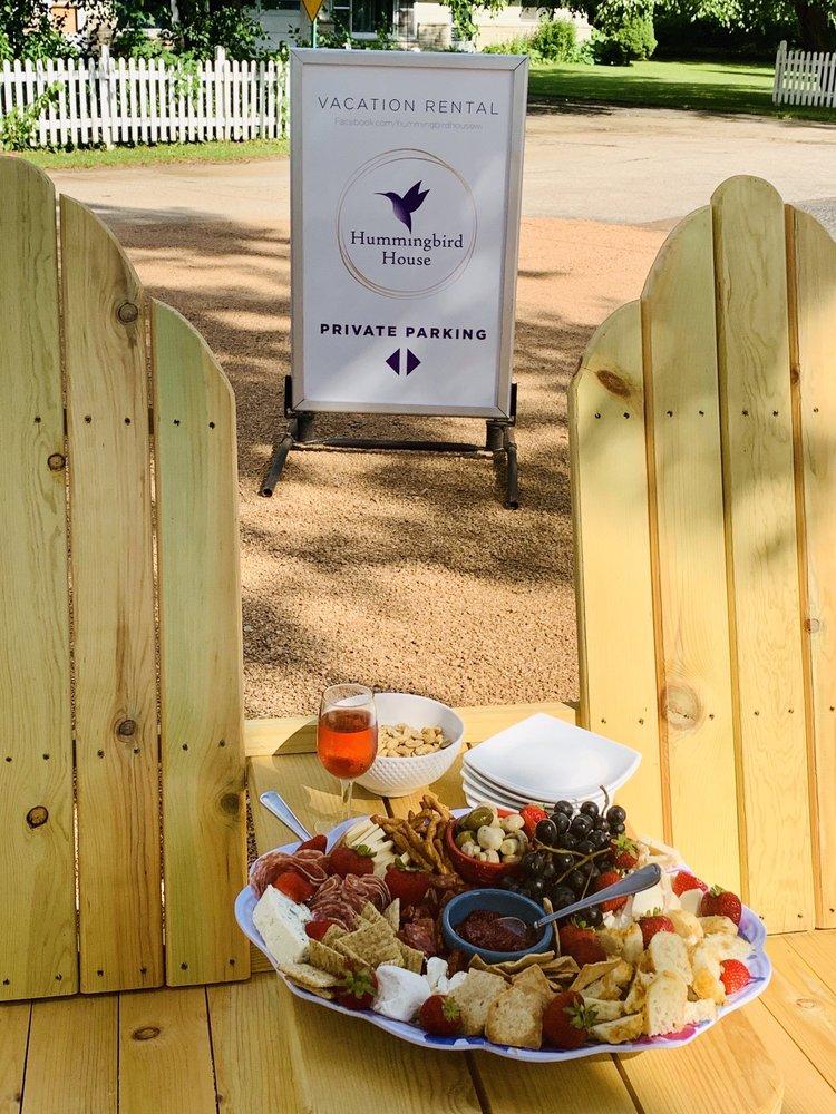 Hummingbird House: 496 Bayview Ct, Green Lake, WI