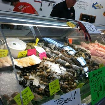 Detwiler s farm market 21 photos 48 reviews markets for Fish market sarasota