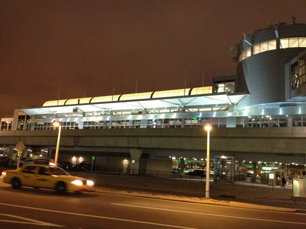 Jfk airport terminal 3 closed 31 photos 71 reviews for Hotels near jf kennedy airport