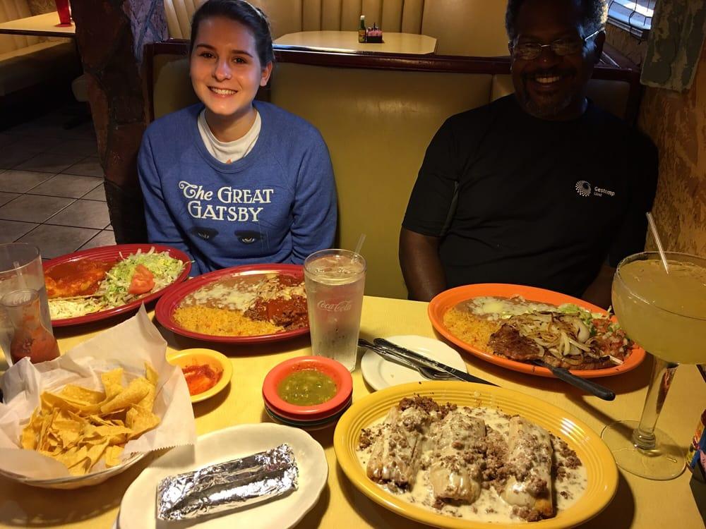 El Canelo Mexican Restaurant: 1777 Frontage Rd, Sabetha, KS