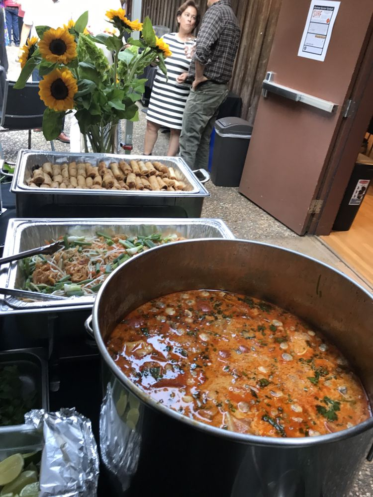 Anchor Bay Thai Kitchen: 35517 S Hwy 1, Gualala, CA