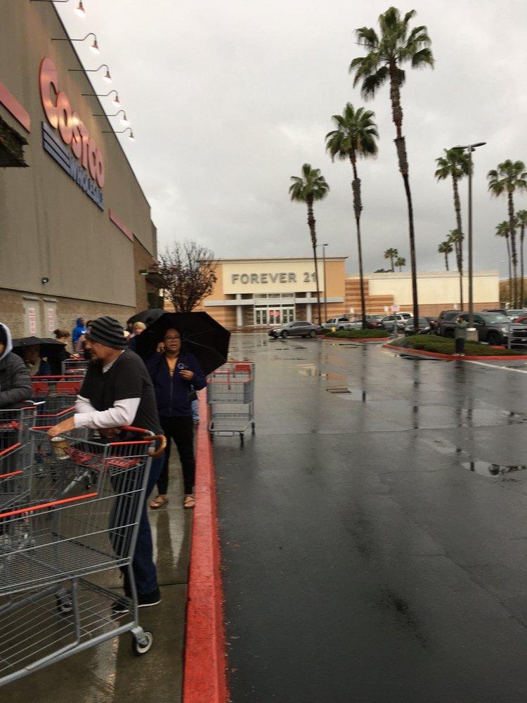 Costco Wholesale: 340 Lakewood Center Mall, Lakewood, CA