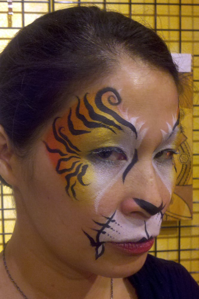 Sexy tiger face painting