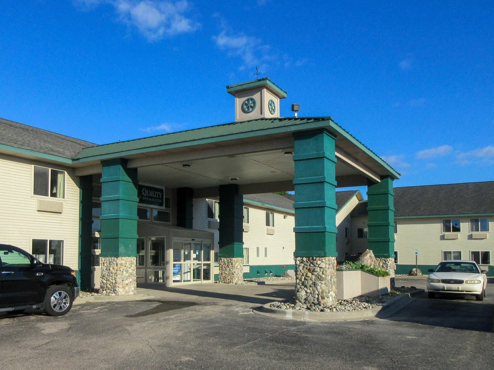 Quality Inn: 10318 South Clare Ave, Clare, MI
