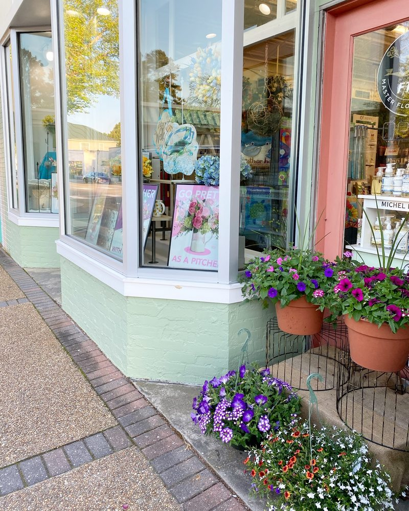 Smith's Florist & Gift Shoppe: 6626 Main St, Gloucester, VA
