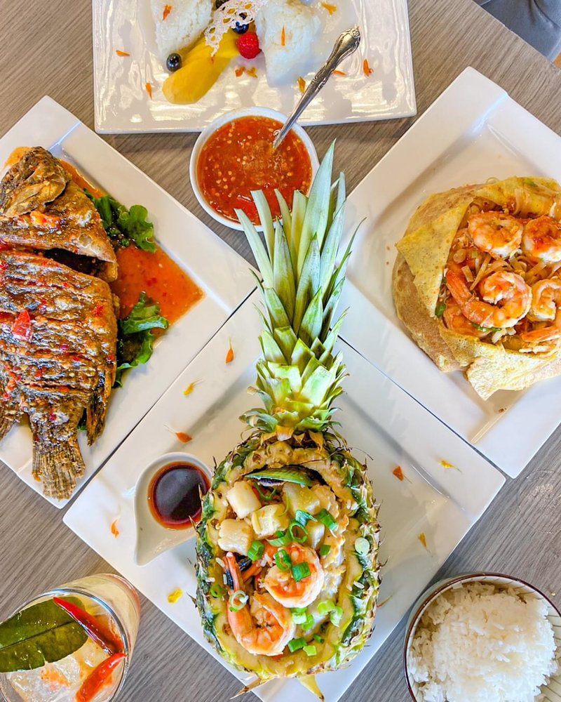 Thaicoon Restaurant & Pub: 1223 Grand W Blvd, Katy, TX