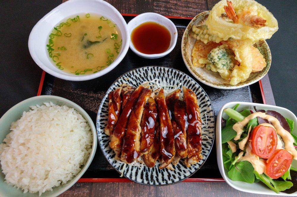 Sakuragi Ramen & Sushi: 864 E Alosta Ave, Azusa, CA