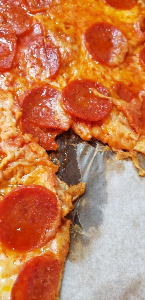 Food from Tonino's Pizza