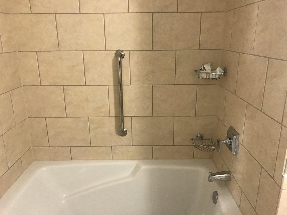 Huge bath tub - Yelp