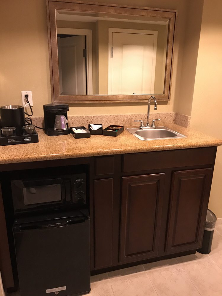 embassy suites by hilton fort myers estero 37 photos. Black Bedroom Furniture Sets. Home Design Ideas