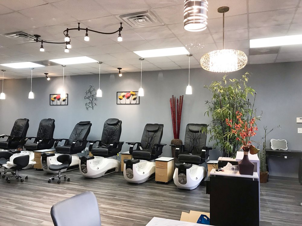 Four Seasons Nails & Spa: 7094 Fayetteville Rd, Raeford, NC