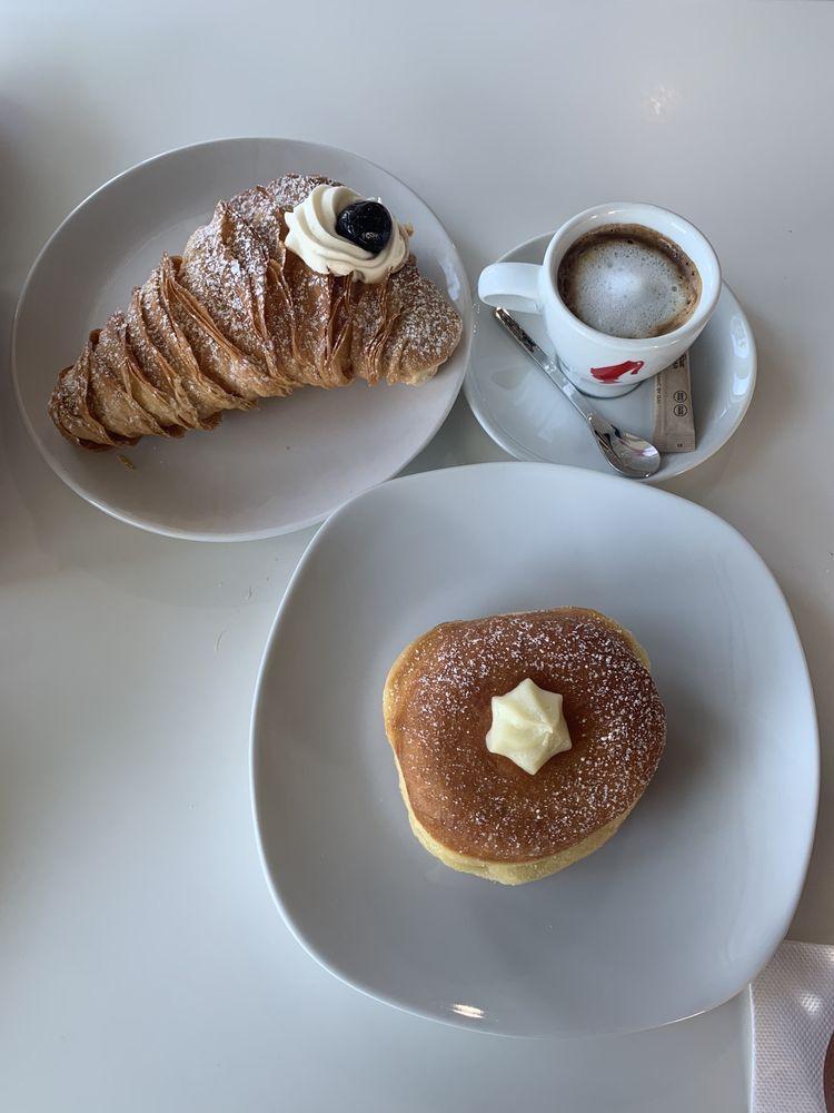 Social Spots from Bomboloni Bakery