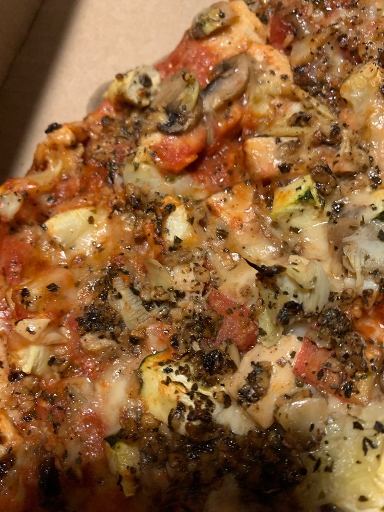 Stuc's Pizza: 1395 W American Dr, Neenah, WI