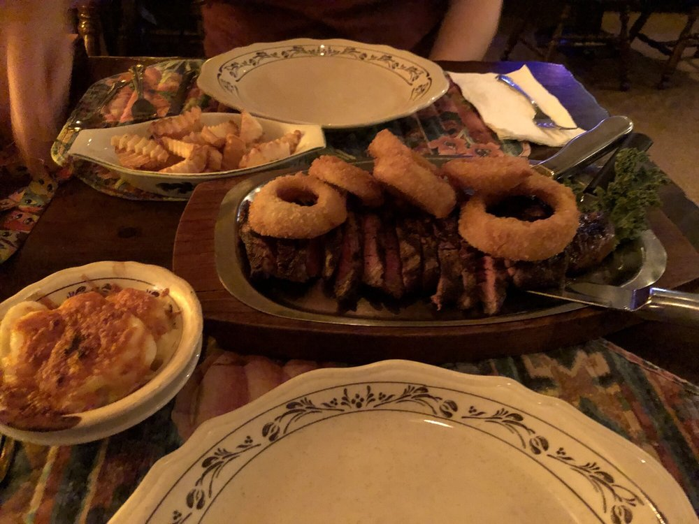 Dick & Peg's Northward Inn Restaurant: 2260 State Hwy 29A, Gloversville, NY