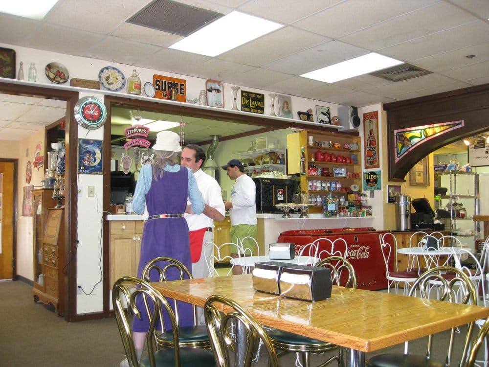 Lyons Soda Fountain & Bakery: 400 Main, Lyons, CO