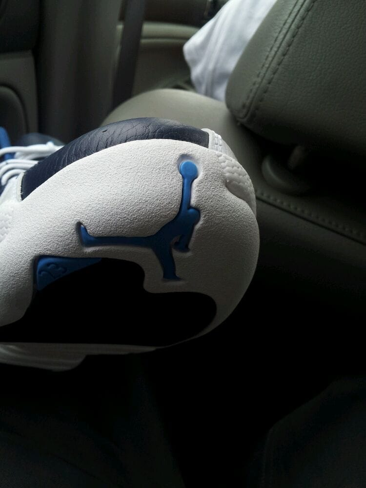 Victor's Sportswear: 4324 W Fullerton Ave, Chicago, IL