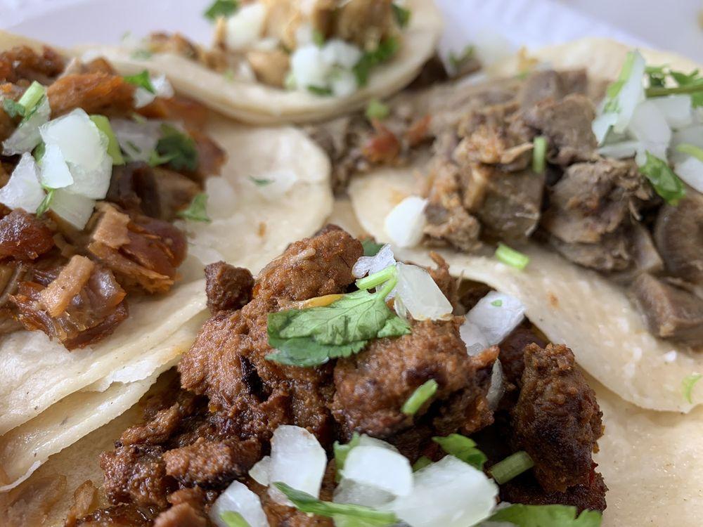 Tacos Gavilan: 13009 Valley Blvd, La Puente, CA