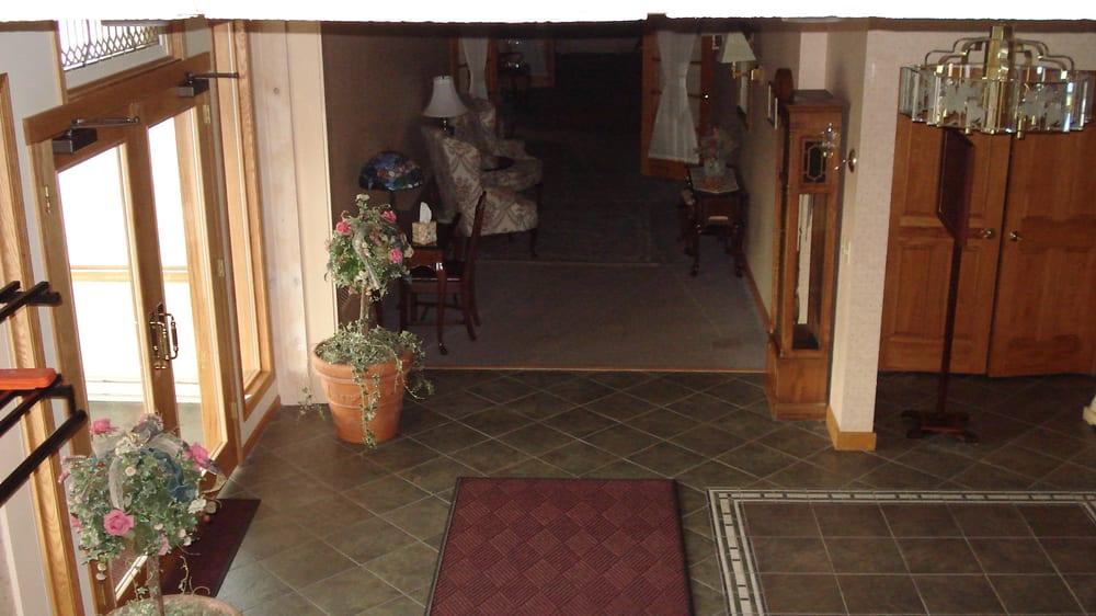 Ballweg & Lunsford Funeral Home: 4612 S Salina St, Syracuse, NY
